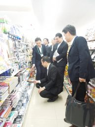 藤井国土交通大臣政務官がセブン-イレブンJS美住一番街店を視察されました